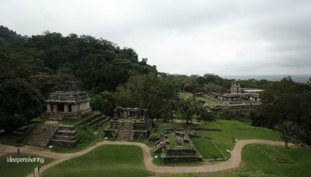 Una vista dall'alto del sito di Palenque
