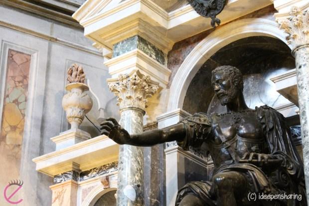 La statua bronzea di Vespasiano Gonzaga